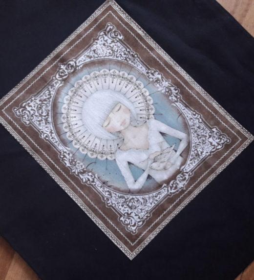 Černá nákupní taška s meditující ženou 03