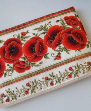 Malá kosmetická taštička na zip s motivem květů