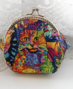 Oválná kosmetická taštička s motivem kočky