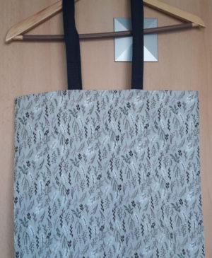 Šedivá nákupní taška s lístečkovým vzorem